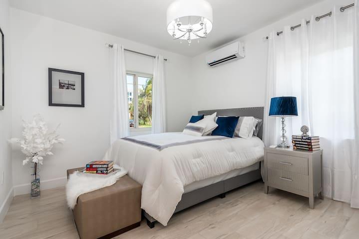 Blue Ocean Villa- Unit 1 - Bedroom