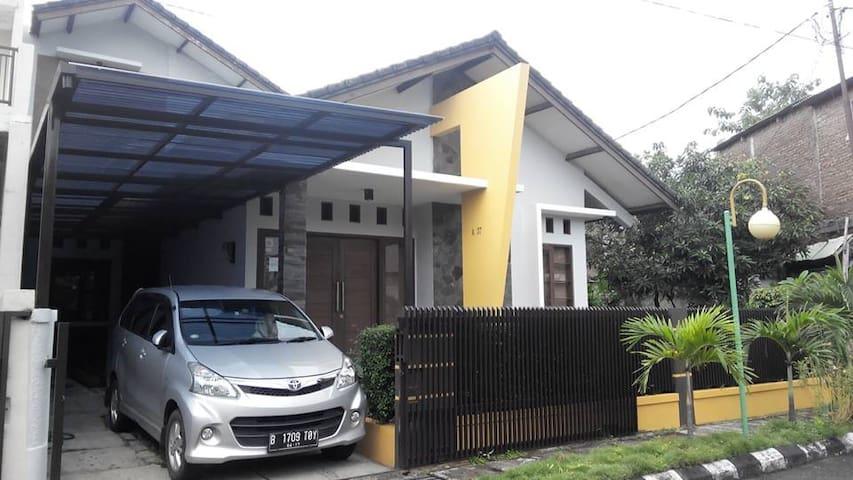 Homestay Bandung Griya Caraka