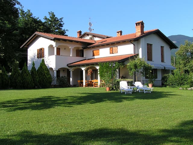 B&B-Deluxe Double or Twin Room with Garden View - Šempas - Bed & Breakfast