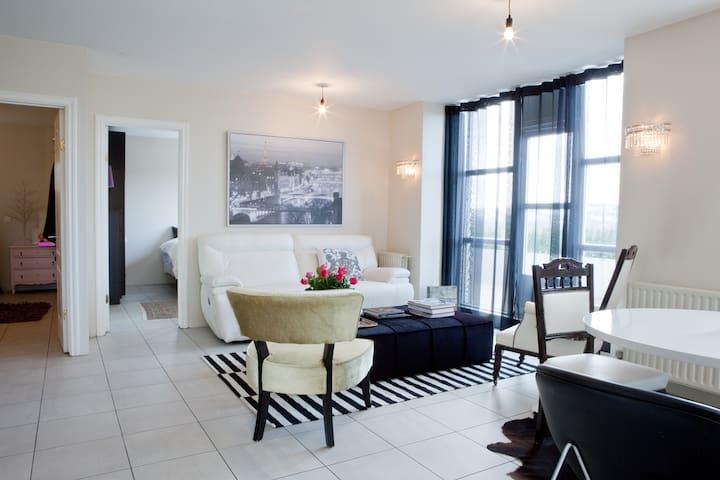 Apartment with an amazing view. - Hafnarfjordur - Huoneisto