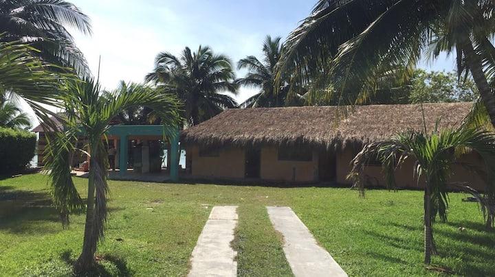 Habitación a orilla de la laguna