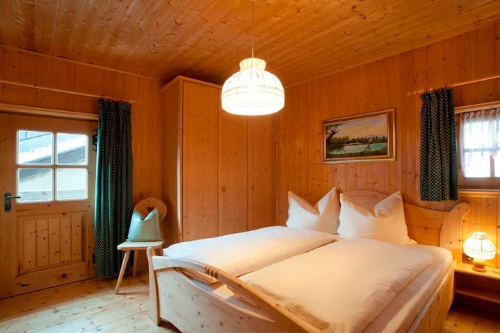 """Charming Holiday Home """"Lärchnhittl"""" with Mountain View Wi-Fi, Balcony, Terrace & Garden; Parking Available"""