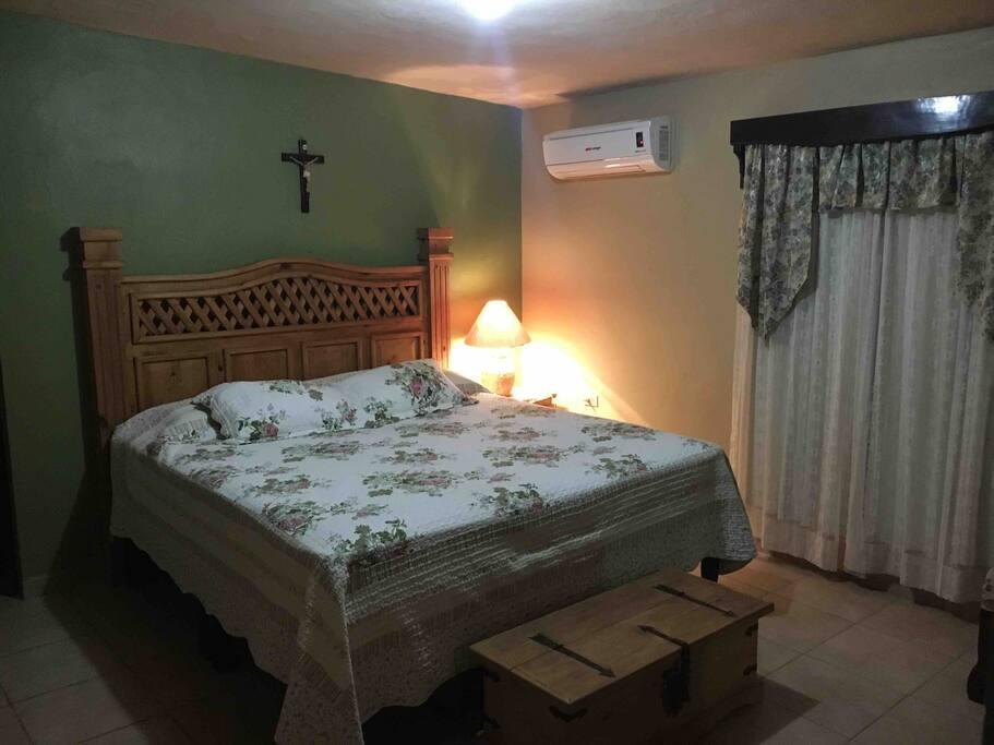 Casa Cisneros, principal beedroom