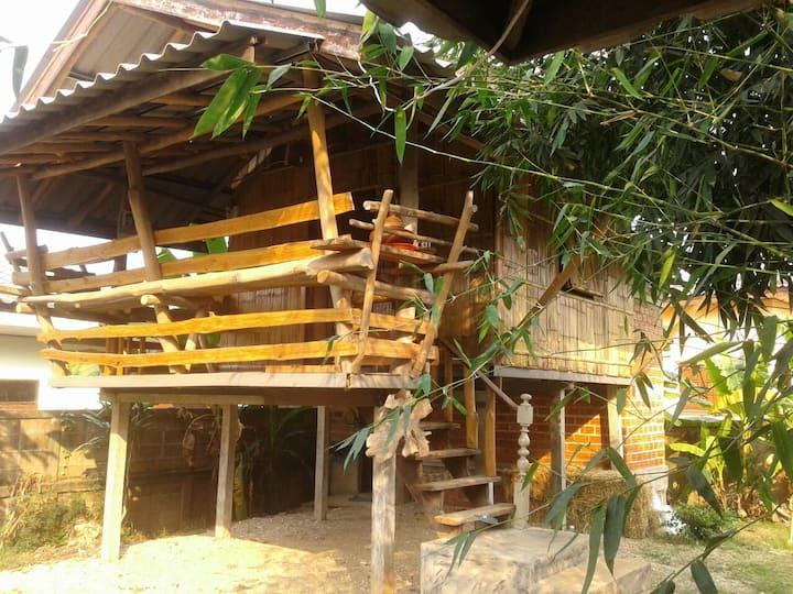 Nee's Thai Style Family HomeStay