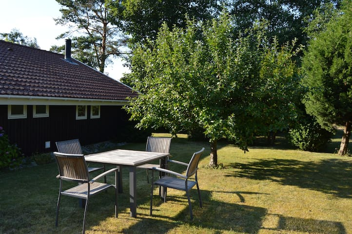 Lovely cottage 2 min. from beach. - Slagelse - Cabaña