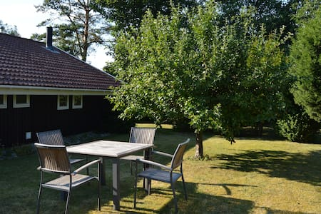 Lovely cottage 2 min. from beach. - Slagelse - Hytte
