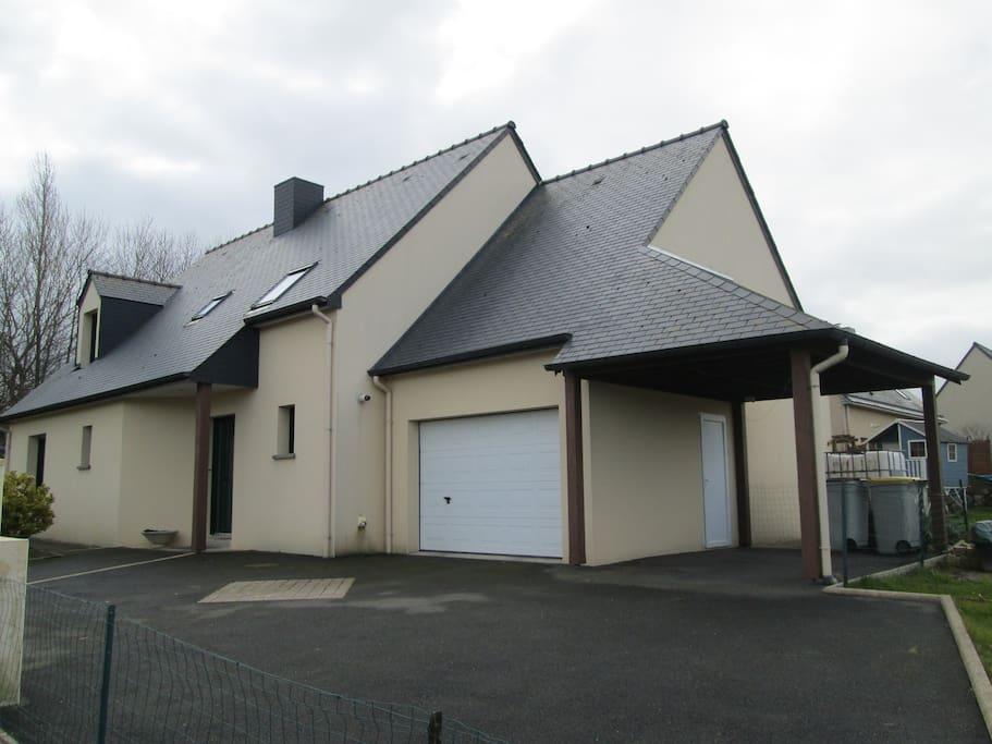 maison 10 mn de st malo houses for rent in saint p re. Black Bedroom Furniture Sets. Home Design Ideas