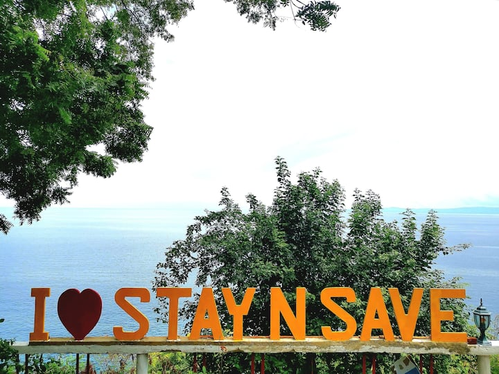 StayNSave Room w/ DoubleBed no breakfast included