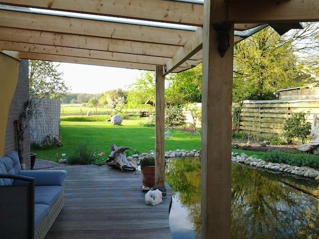 vrijstaand huis;grote tuin;zwembad - Loenen - Huis