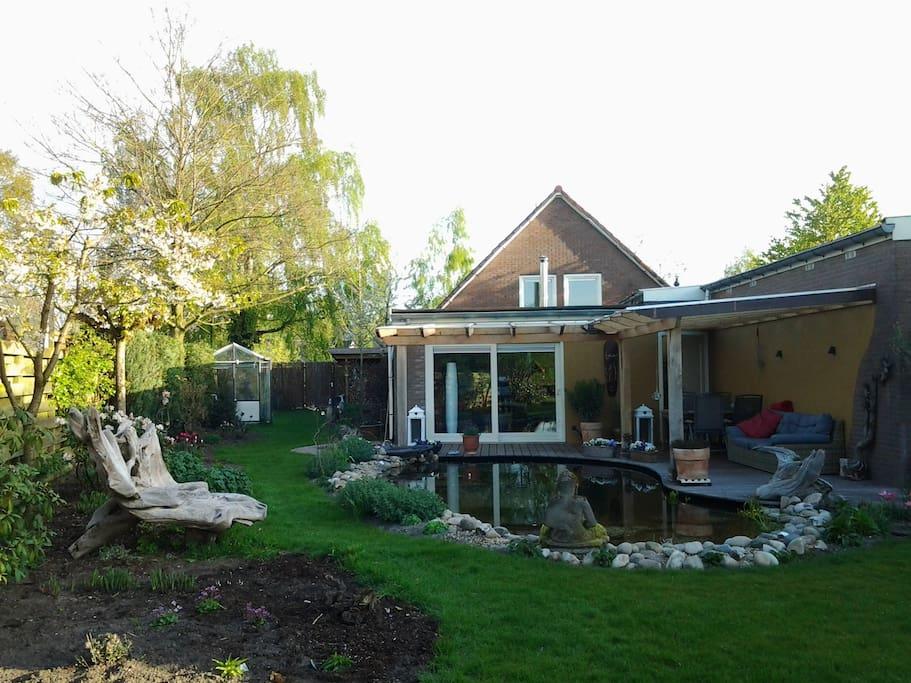 vrijstaand huis grote tuin zwembad huizen te huur in