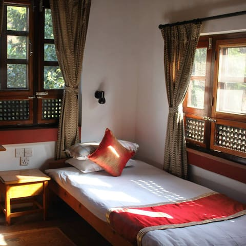 Krishna House - Single Room - Bhaktapur - Гестхаус