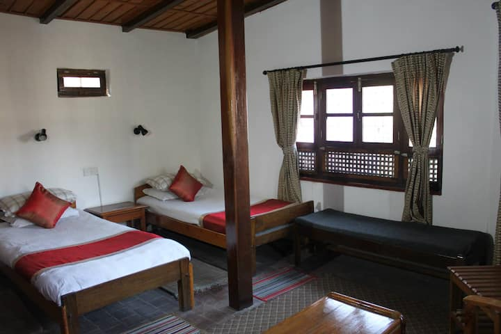 Krishna House - Twin Room with Breakfast