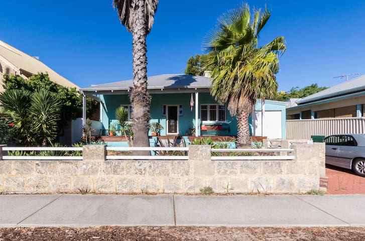 Beach House - South Fremantle - House