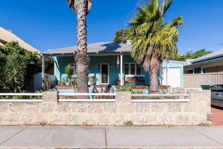 Beach House - South Fremantle - Dom