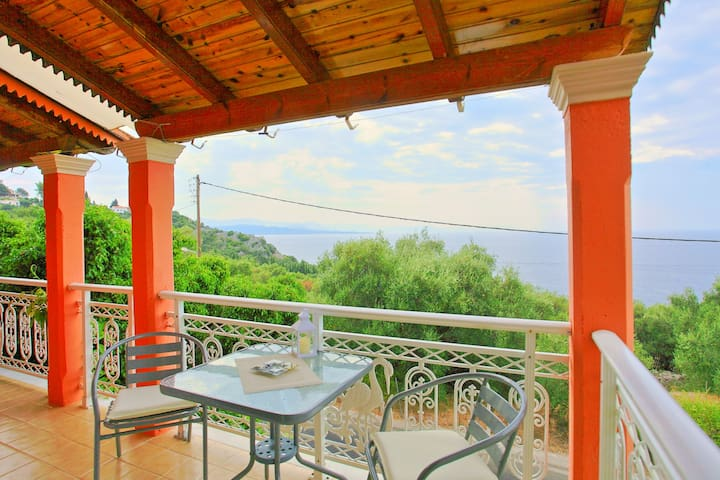 Dimitris House, a lovely apartment with sea views - Nisaki - Appartement