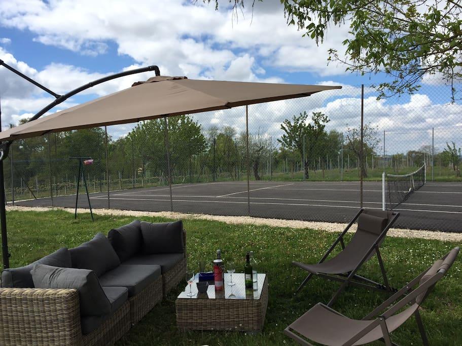 maison de charme piscine tennis maisons louer. Black Bedroom Furniture Sets. Home Design Ideas