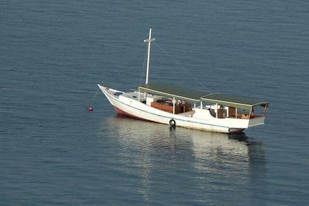 """The """"Waelena"""" boat - Komodo"""