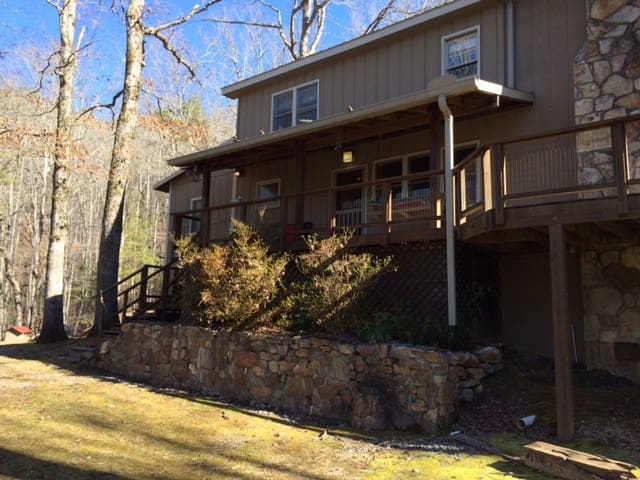 Beautiful Home with Garden on 15 ac - Lakemont