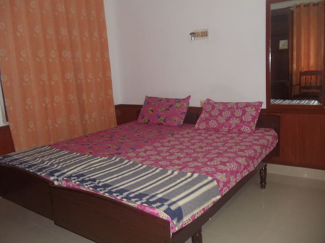 VAZHAPPILLY HOME STAY APARTMENT - Kochi - Apartment