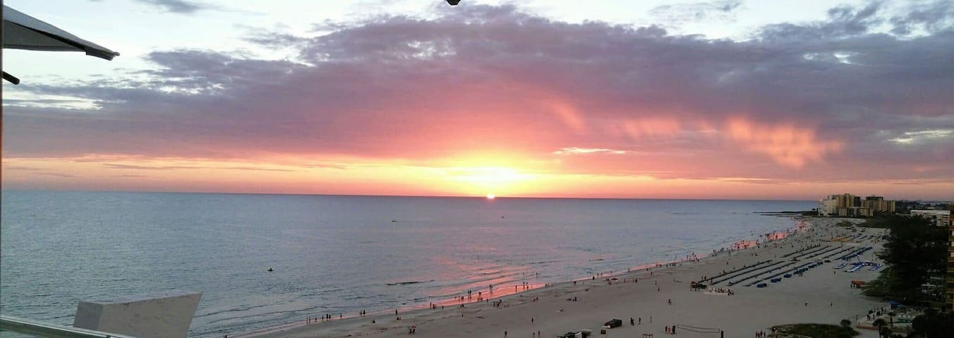 ESCAPE TO ST PETE BEACH, THE SUNSET CAPITAL