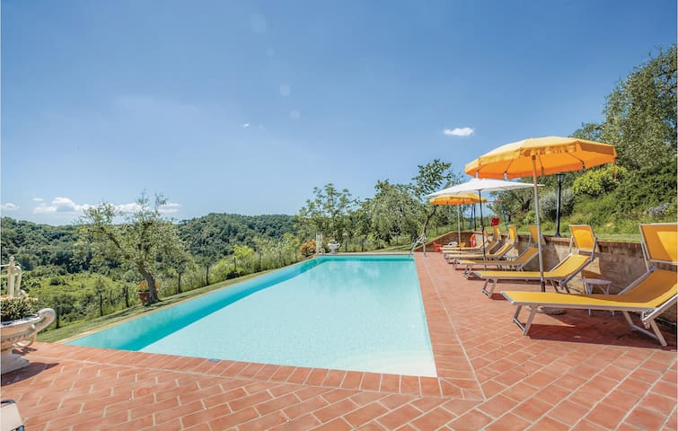 Holiday cottage with 4 bedrooms on 106m² in Montopoli V.d´Arno PI