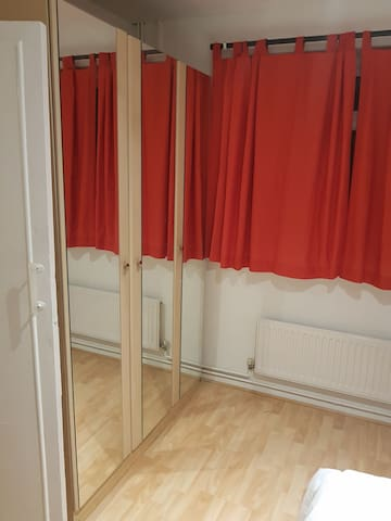 Private Doulbe Bedroom near Heathrow