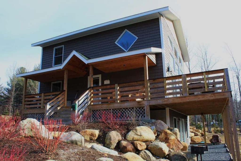 Gorgeous Vacation Rental - 4 Bedrooms, 3 Full Baths & Direct Mountain Views!