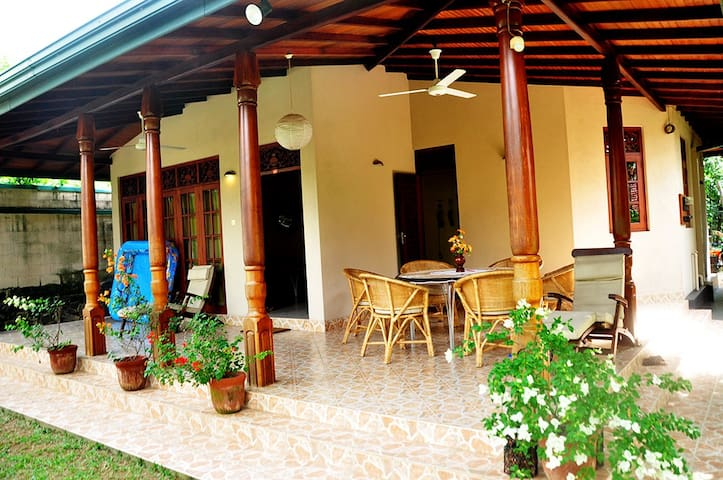 Home Stay Unit - Wadduwa - House