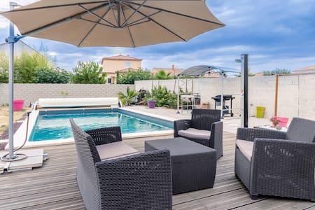 Villa avec piscine à 20 minutes de la plage - Nézignan-l'Évêque - Вилла