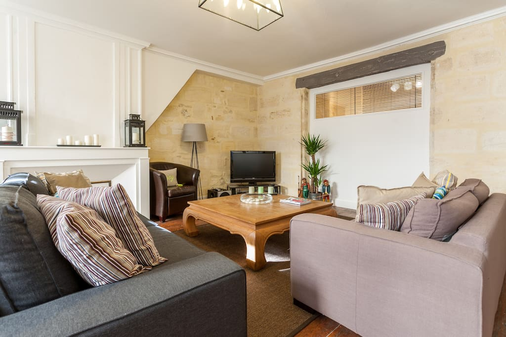 t3 de charme centre historique appartements louer bordeaux aquitaine france. Black Bedroom Furniture Sets. Home Design Ideas