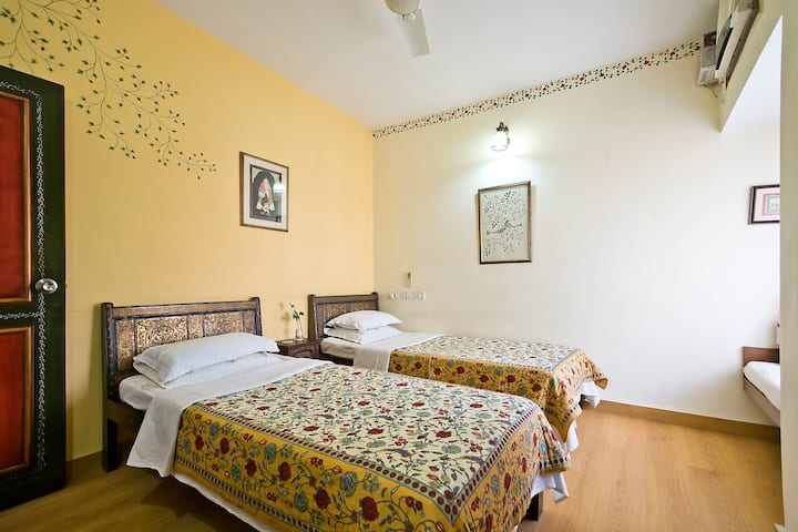Begum - Twin/King bedded room in Charming B&B