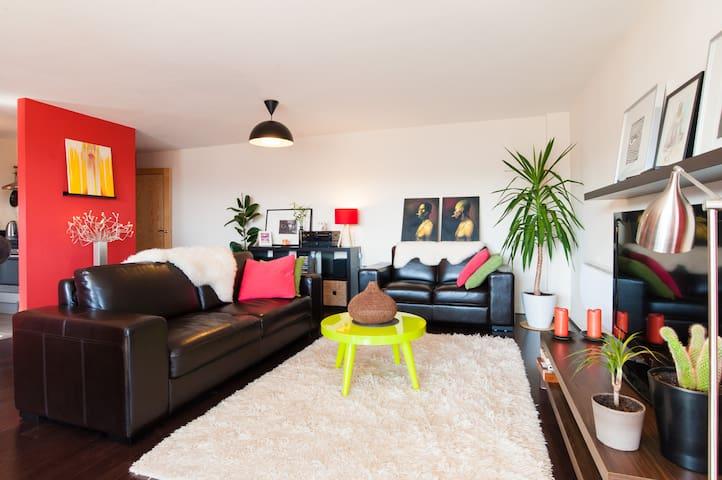 Contemporary Spacious Room.  - Cardiff - Lejlighed