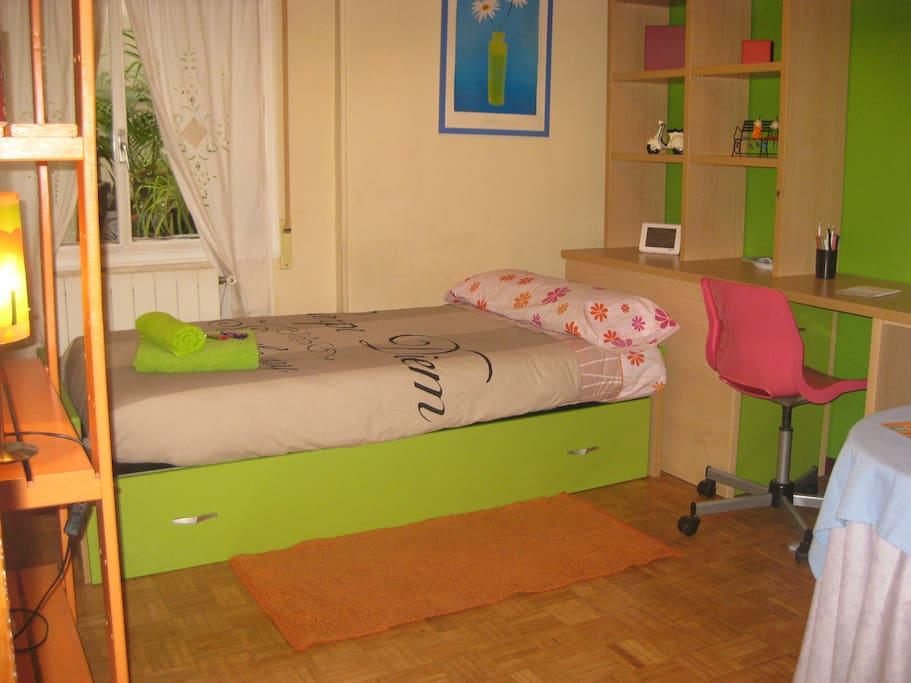 Habitaci n en prosperidad apartamentos en alquiler en for Alquiler habitacion espana