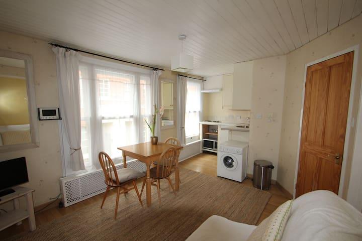 Living room - looking towards kitchen.