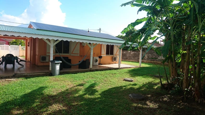 House - 800 m from the beach - Port-Louis - House