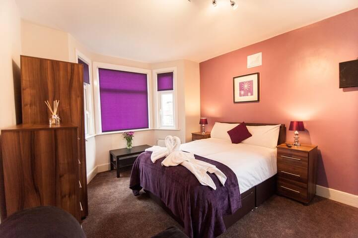 Room4 Superior Suite