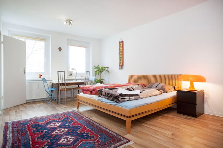 Central cozy Apt at Alexanderplatz - Berlim - Apartamento