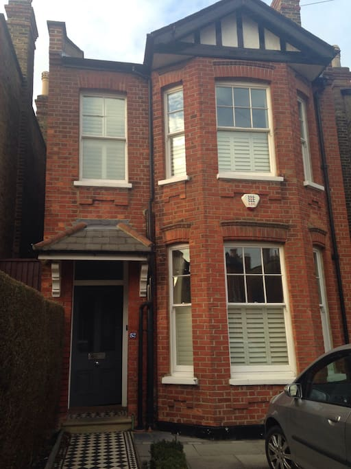 Detached Victorian house on quiet residential road within walking distance of Wimbledon tennis, Wimbledon town and Wimbledon park