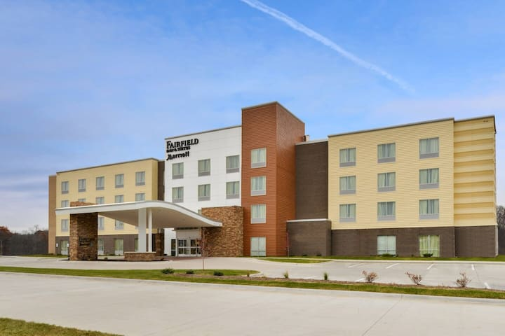 Coralville Fairfield Inn and Suites