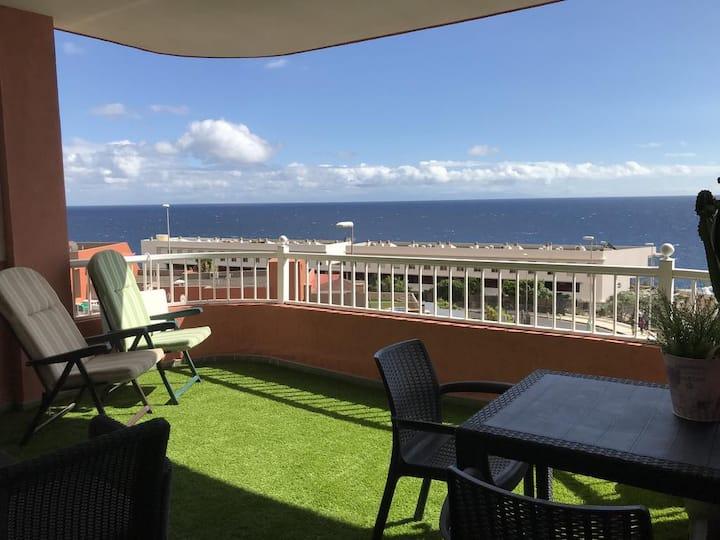 Oceanfront apartment in local Radazul