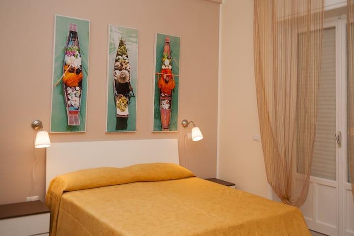 Centralissima camera quadrupla con bagno privato