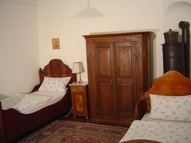 Wundervolles Familienzimmer für 5 - Bühlertann - Leilighet