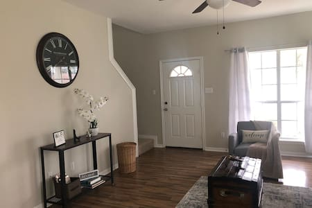 Gorgeous 2 story home Great Location peace & quiet