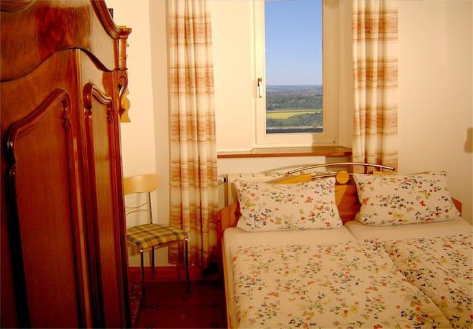 Burgdoppelzimmer tolle Aussicht - Bühlertann - Castillo