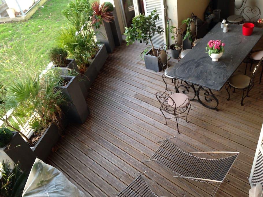 80 m2 terrasse vue directe garonne 240 m2 duplex lofts for Location bordeaux terrasse
