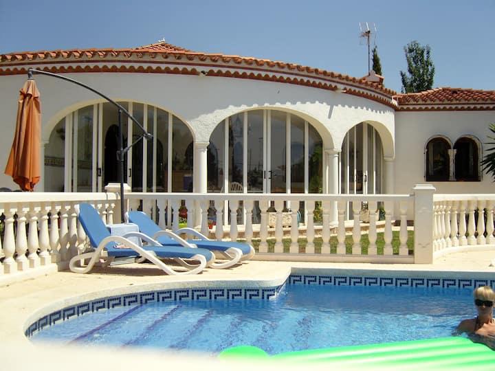 Ferienparadies mit pool fur 6 ev. 10 Personen