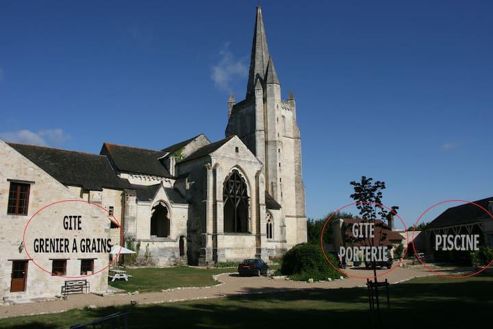 Abbaye de Bois-Aubry - Luze - House