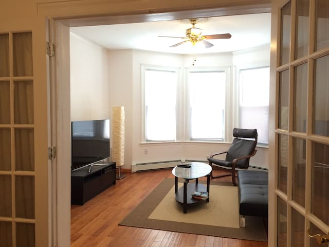 Spacious 2BD 15min to TIMES SQ!! - West New York - Διαμέρισμα