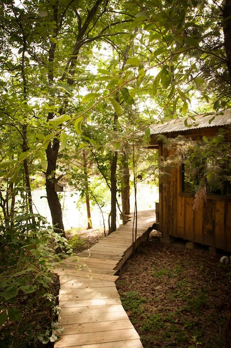 This is the pathway that leads from the front of Across the Pond Cabin to the private bath house, located behind the cabin.