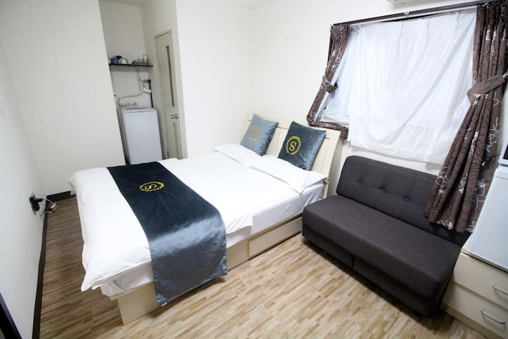 QY25 JR Train station 5-min walk, airport directly